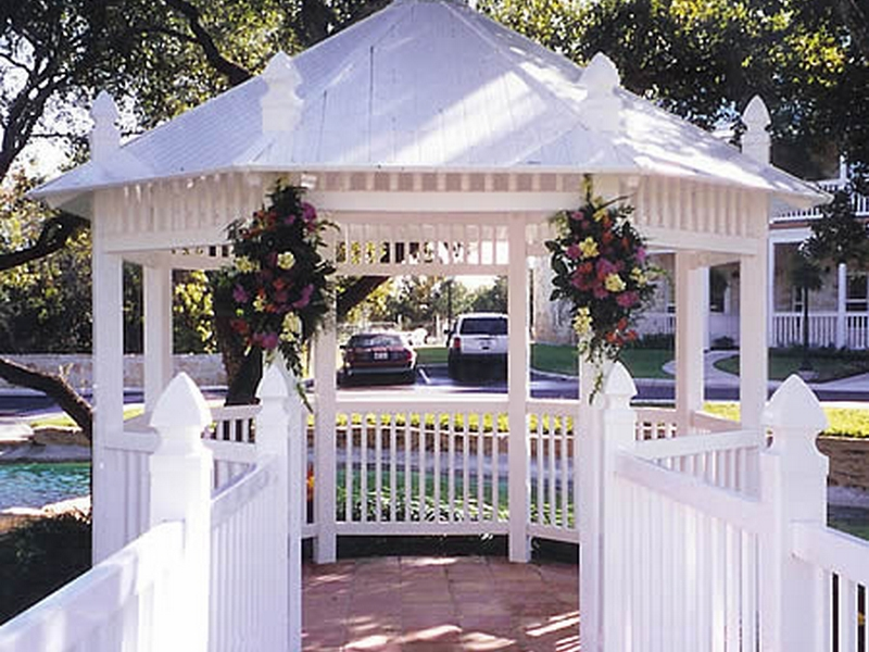 Gazebo-Wedding-Decoration-Designs